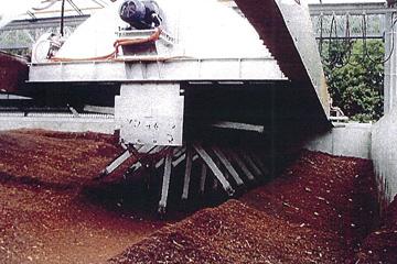堆肥と混ぜて循環農法へ